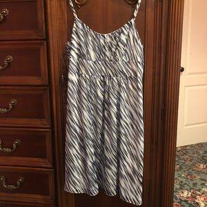 Sweet dress Ann Taylor size 4P  EC